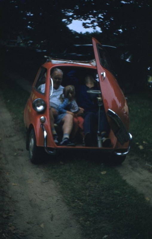 Go to BMW Isetta item page