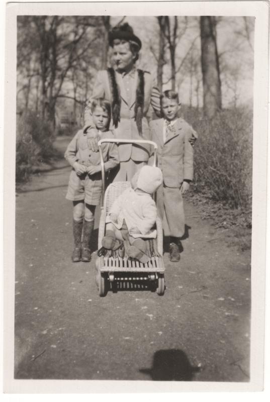 Go to Adriana B. Termaat and sons in Alkmaar, 1946 item page