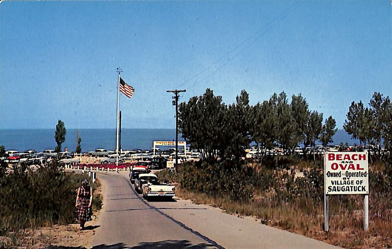 Go to Oval Beach, Saugatuck, Mich. postcard item page