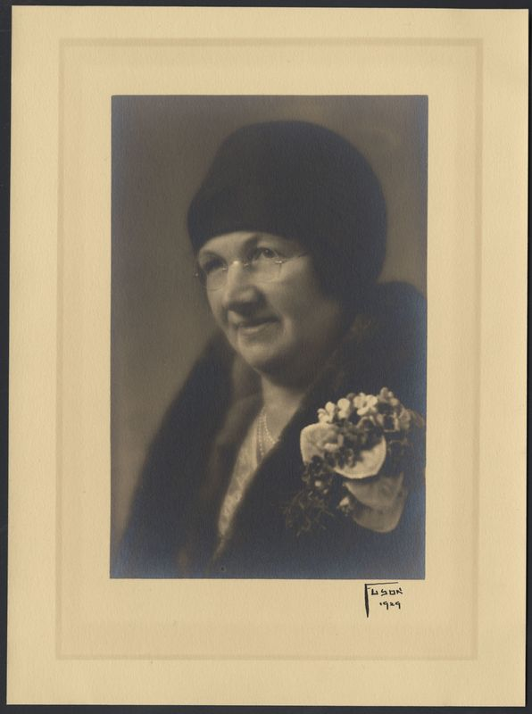 Go to Portrait of Bertha Schwind Alten item page